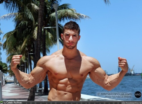 #Adam Ayash .. #flex it, dockside