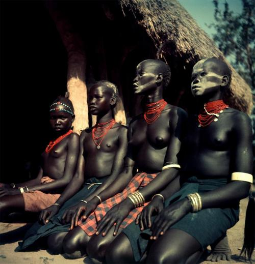 flosvitae:  Nuba tribe, Sudan 1949ph: George Rodger