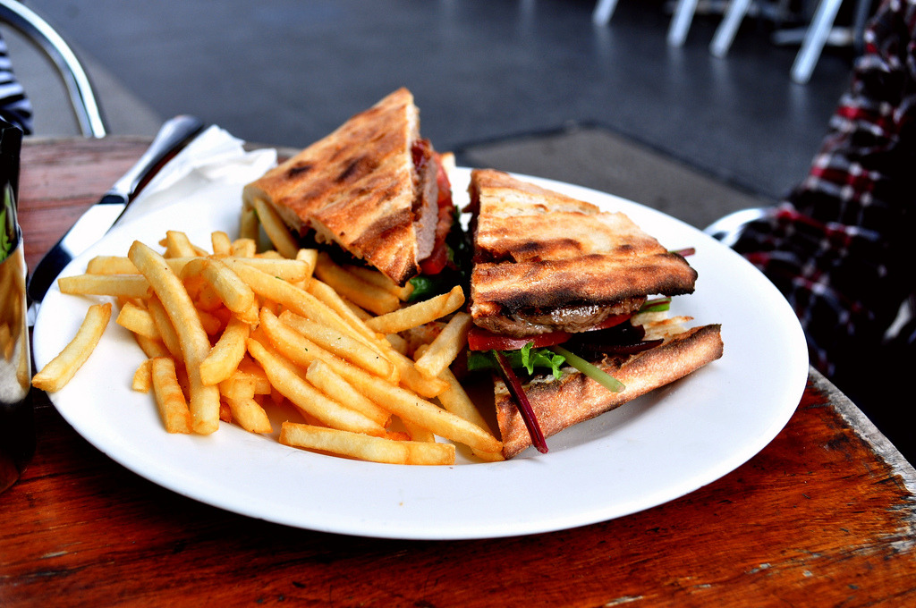 Steak sandwich with fries