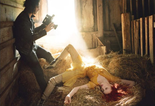 Jack White and Karen Elson. (photo by Annie Leibovitz)