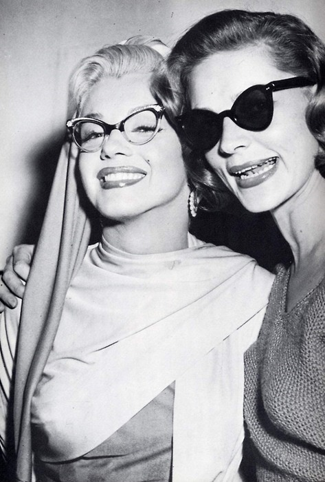 hoodoothatvoodoo:   Marilyn Monroe and Lauren Bacall 1953