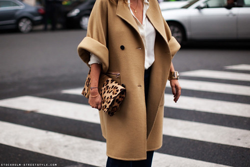 camel coat + leopard clutch. so love.