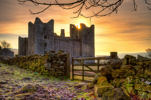 allthingseurope:  Sunrise At Bolton Castle, England (by Jason Connolly)