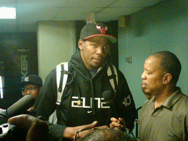 boricua2894:  yeaaaaah buddy.. Kevin Durant with a Chicago Bulls hat. Wish he played in the Chi