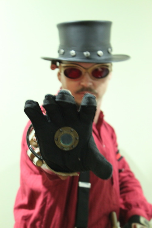 Sabre as a steampunk Iron Man. Photo by TampaSteampunk.