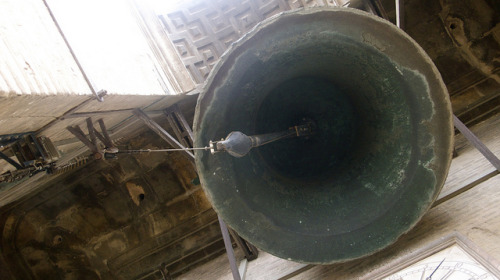 Sevilla's Cathedral Bell on Flickr.