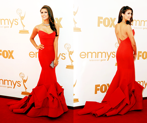 salvatorebrothers:  Nina Dobrev at the Emmys 2011