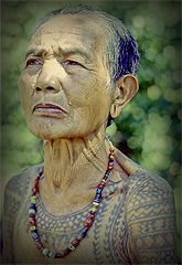 "eartha:  The Last Kalinga Tattoo Artist of the Philippines by Lars Krutak  Of all Kalinga tattoo motifs, centipedes and python scales seem to dominate. Both creatures were considered ""friends of the warriors"" (bulon ti mangayaw) and are believed to be earthly messengers of the most powerful Kalinga deity Kabunian – the Creator of all things. Many women said that their skin didn't wrinkle if fortified with these designs. Whang Od recounted a Kalinga myth where a centipede was responsible for helping warriors take human heads like the insect takes it prey. Tattooed centipedes are also believed to make a warrior more aggressive and fierce. Some women were tattooed with ""necklaces"" to appear permanently beaded and beautiful."