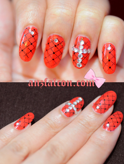 anzfalcon:  Sporting these nails right now, the lacquer is like red-orange. Weird how its more orange on photos! Hahaha  -Anz