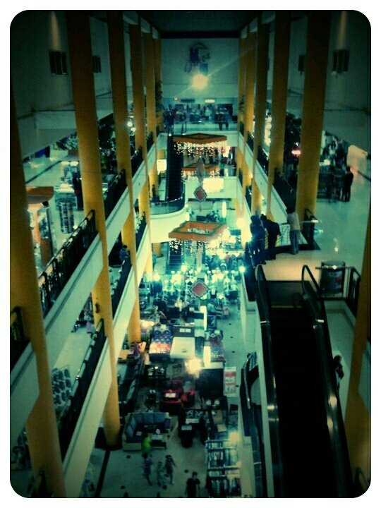 #jatos  #building  #andrography  #fotodroid  #photography  #fotodroids (uploaded with Streamzoo.com)