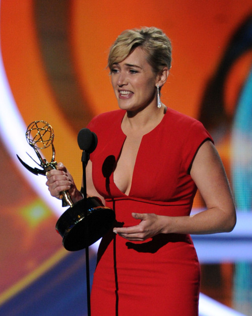 bohemea:  I do love photos of Kate Winslet looking humbled & beautiful while holding a well deserved award. This is my porn!  Oh fuck. THANK GOD.