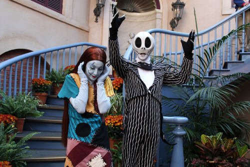 Jack Skellington orchestrates a Halloween Scream from guests at the Court of Angels by Loren Javier on Flickr.