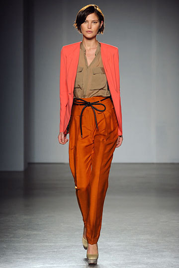 runway.  matthew williamson spring 12. warm fall palette.
