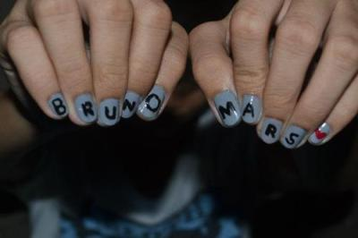 I want these nails !! :)