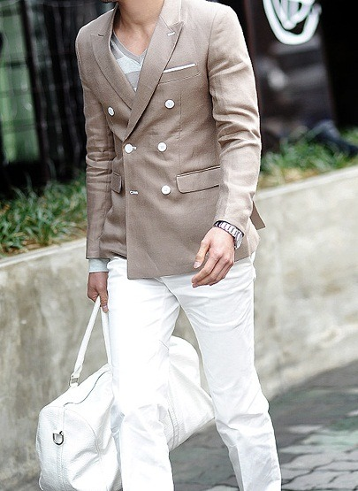 theexplorationexpedition:  That's one way to wear white after Labor day