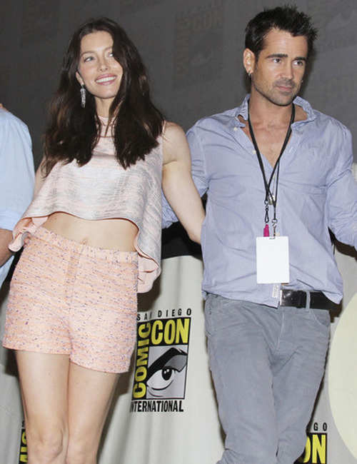 Total Recall: Colin Farrell and Jessica Biel set photos online New photos of Colin Farrell and Jessica Biel working on the set of Len Wiseman's Total Recall have appeared online.     Filming is currently taking place in downtown Toronto. [TO SEE THE PICTURES, CLICK ON JESSICA AND COLIN OR FOLLOW THIS LINK]