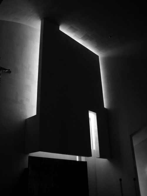 onsomething:  Steven Holl | Chapel of St. Ignatius