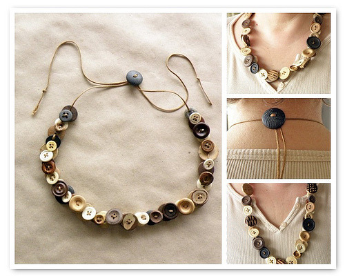 crafty-bitch:  Adjustable button necklace. Click the pic for the link.
