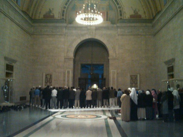 Muslims praying in congregation at the Detroit Institute of ArtsDetroit, MI  photocred: not mine