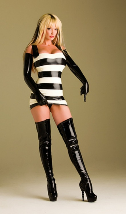 girlsinrubber:  these boots aren't gonna clean themselves!