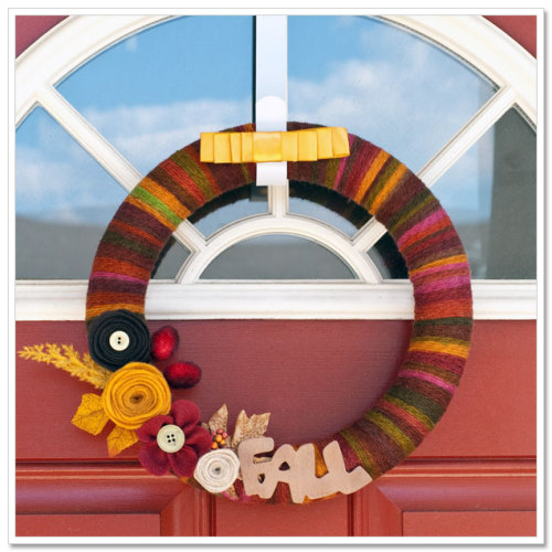 craftyscientist:  (via {make} Fall Yarn Wreath)
