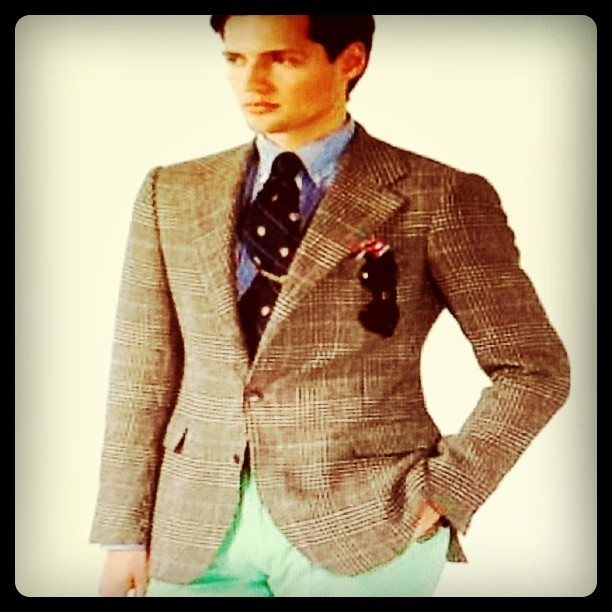 Must have item for men? Colored pants! #fashion #menswear #trends (Taken with instagram)