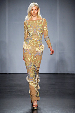 vogue:  Matthew Williamson Spring 2012 Photo: Marcio Medeira/firstVIEWVisit Vogue.com for the full collection and review.