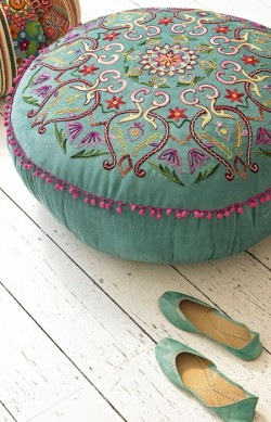 thatbohemiangirl:  My Bohemian Home  Source: houseandhome.com