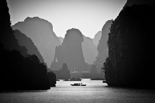 Shades of Halong (di Dan Ballard)