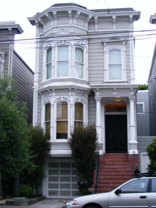 1709 Broderick Street- the Full House house (with the door painted black)!