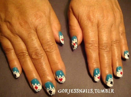 Mom loved these. & So did I. :) ALICE IN WONDERLAND nails.<3