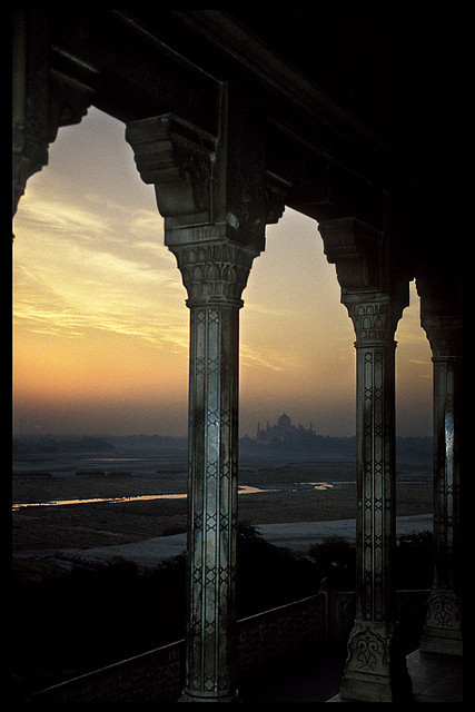 cursivescripts:  INDIA - Sunrise over the Taj Mahal by BoazImages on Flickr.