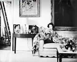 Gloria Vanderbilt at her home on 10 Gracie Square, New York, 1956. Photographed by Richard Avedon.