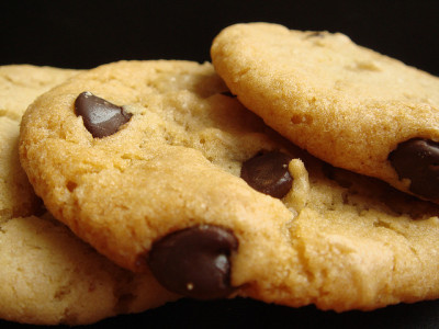 afickleheartandabitterness:  Vegan Homestyle Chocolate Chips Cookies by ComeUndone on Flickr.  i have been having a serious craving for these