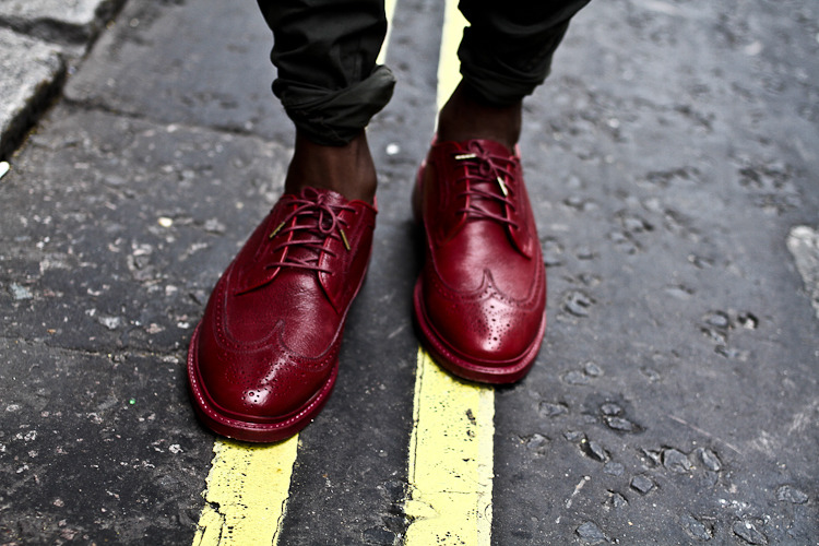 streetetiquette:  London Fashion Week - Florsheim x Duckie Brown wingtips [ Trav's footwear ]  want these so badly for no real reason.