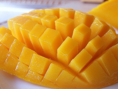 good old mango! yumm! so healthy and nutritious!