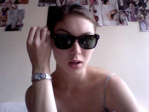 Sunglasses + Watch = $11 USD  Hollllllla