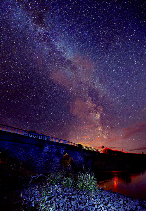 cwnl:  Milky Way over Meifod Bridge Copyright: Peter Shah