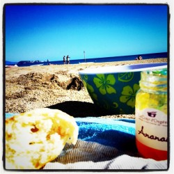 Petit dej picnic a la plage… (Taken with instagram)