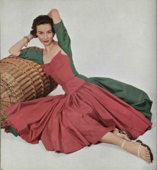 Gres Gown - 1952 L'Officiel De La Mode - 361-362