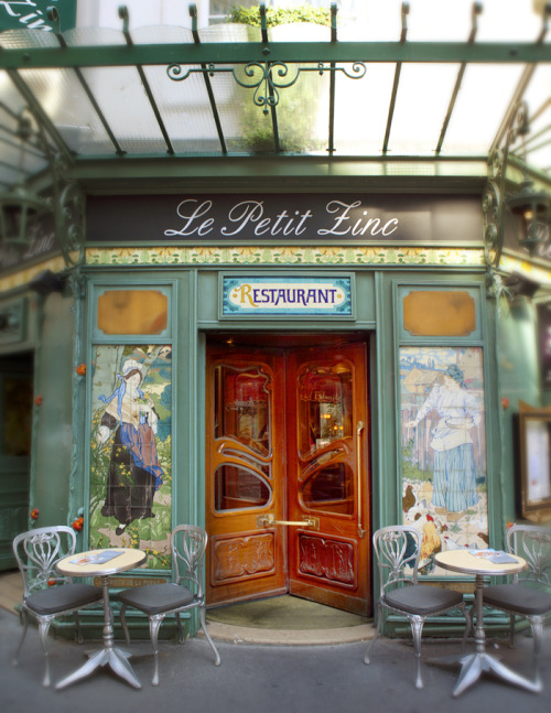 My Bohemian World Still kicking myself for not visiting this Art Nouveau cafe when I was in Paris. Someday….