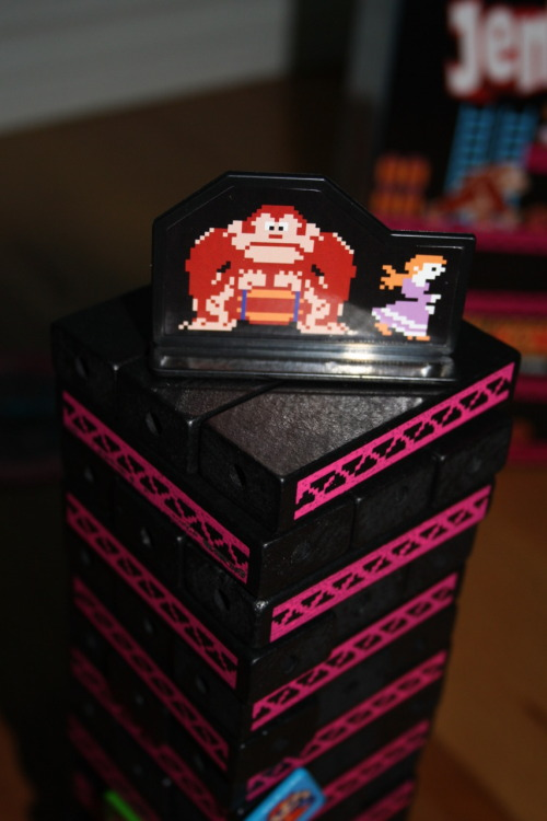 it8bit:  Donkey Kong Jenga - photo by Jacob Rigney DeviantART || Tumblr Created and submitted by gamingintothevoid.  DONKEY KONG Jenga jenga j-j-j-jenga.