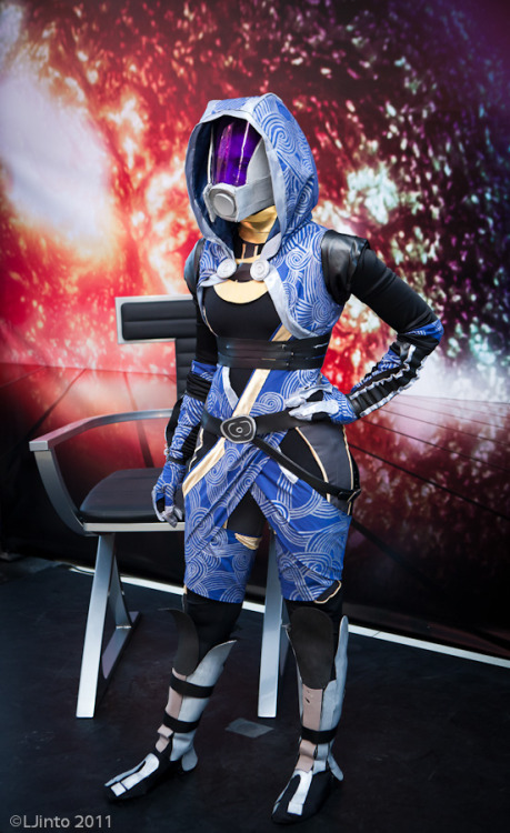 "justinrampage:  Some of the best Mass Effect costumes caught on film by photographer LJinto. Taken during the 2011 SDCC ""BioWare Costume Contest"". SDCC BioWare Costume Contest photos by LJinto (Twitter)"