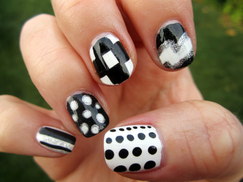 30 Day Nail Challenge Day 7: Black and White