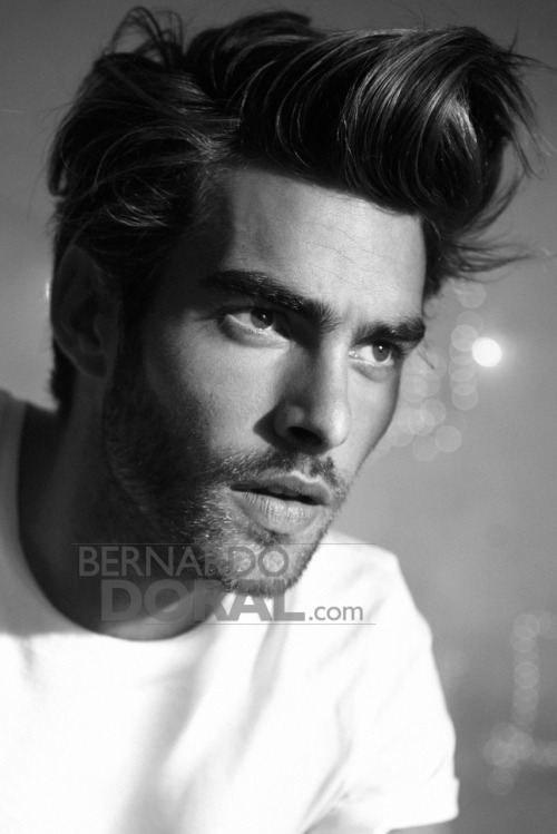 jonkortajarenafansite:  Jon Kortajarena for ELLE Spain October 2011 source: http://bernardodoral.com/?p=2812 via www.facebook.com/jonkortajarena.fansite