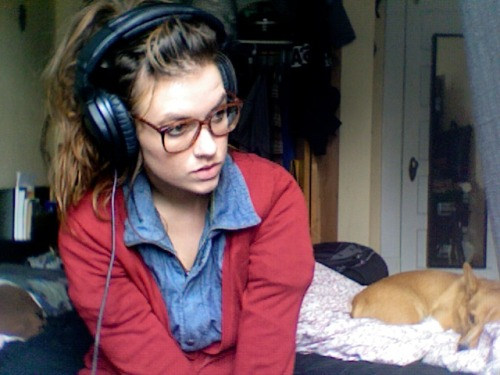 rabbitwolfanddog:  Today I skipped my Feminist Film class to be lazy with Beryl.  Corgi approves!