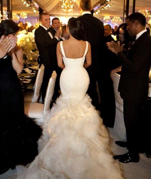 Beautiful Kim Kardashian Kardashian Wedding Curves Vera Wang