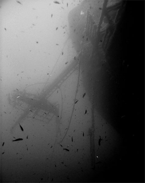 broken ship mast on starboard of the vessel.36 m. yassı island,turgutreis-bodrum