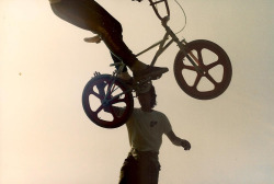 1980′s OLD SCHOOL BMX RADNESS | FREESTYLE FLYIN' & STREET STYLIN' Read more…