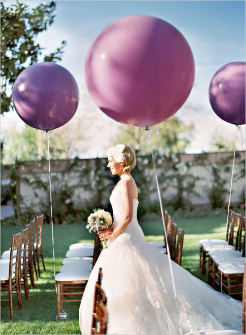 geekywedding:  Loving the idea of having balloons instead of flowers decorate the ceremony.